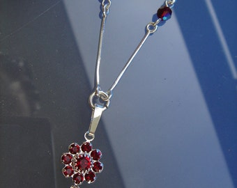 925 Silver chain in sparkling Red!