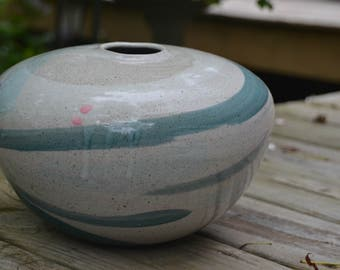 eb1727 Vintage Unusual Heavy Stoneware Sculpted Vase with Nice Glaze & Pastel Colors Bulbous Shape