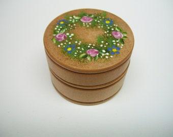 hand decorated wood jewelry box,wood jewelry box,wood trinket box,wood box,handpainted jewelry box,handpainted box