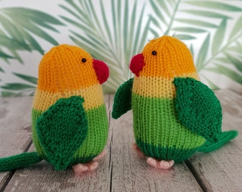 Lucy and Larry the Lovebirds knitting pattern - cute love birds