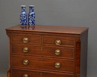 SN3973 An attractive George III mahogany chest of drawers