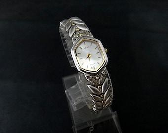 Vintage Rado  Quartz Onyx Crown Watch