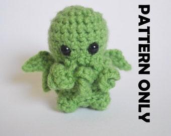 PATTERN: Cthulhu crochet pattern.  Cthulhu plushie, crochet cthulhu, diy