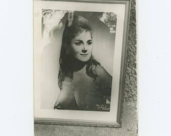 Vintage Snapshot Photo: Portrait of Burlesque Dancer, Istanbul  (81636]