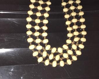 Cream necklace set