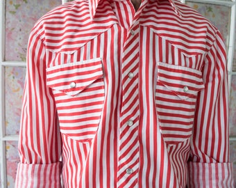 FIVE DOLLAR DEAL Vintage 70s Candy Striper Cowboy Snap Button Down