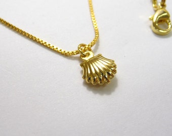 Gold Seashell Necklace, Gold Seashell pendant, Seashell Charm Necklace,Mini jewelry