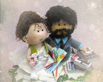 Personalised wedding cake topper - bride and groom handmade - OOAK felt sculpture made to order Hand made in France