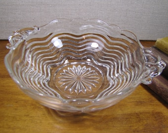 Vintage Graduated Curved Ring Glass Bowl