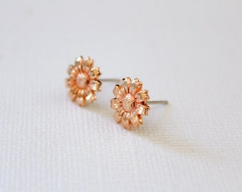 Sunflower Earring Studs in Rose Gold, Silver Daisy Jewelry, Simple Any Occasion Accessory, Flower Earrings Daisies Floral Garden Sunshine