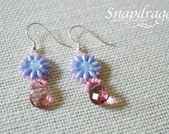 Daisy beaded earrings with faceted briolette drop