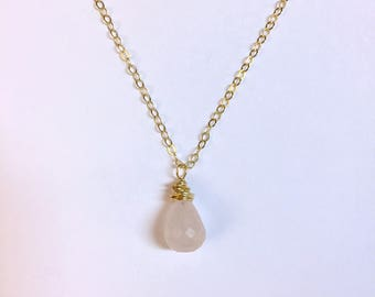 Rose quartz semi-precious gemstone pendant necklace with gold fill chain