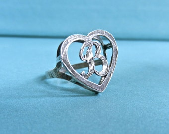 Vintage silver B monogram heart ring