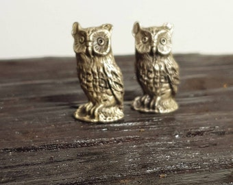 Cute pair of vintage pewter owls in great condition circa 1970s comes in gift pouch