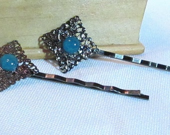 Gunmetal With Blue Cat's Eye Cabochon Bobby Pin Set