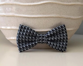 Dog Bow / Bow Tie - Black w Gray Houndstooth