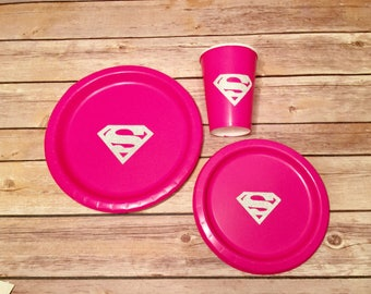 Hot Pink/Glitter Superwoman / Supergirl plates! 10 Count