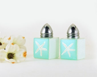 Mini salt and pepper shakers - Sea Glass Collection - Light turquoise