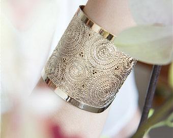 Gold cuff, Wide Gold cuff bracelet, Gold bracelet, Dots and Circles, Gold jewelry, Hammered Gold cuff bracelet, Modern jewelry