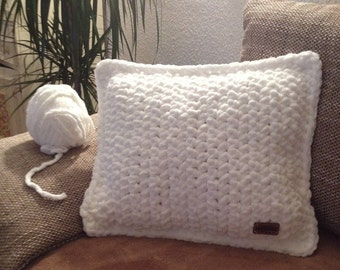 Crocheted cushion - Handmade wool polyester