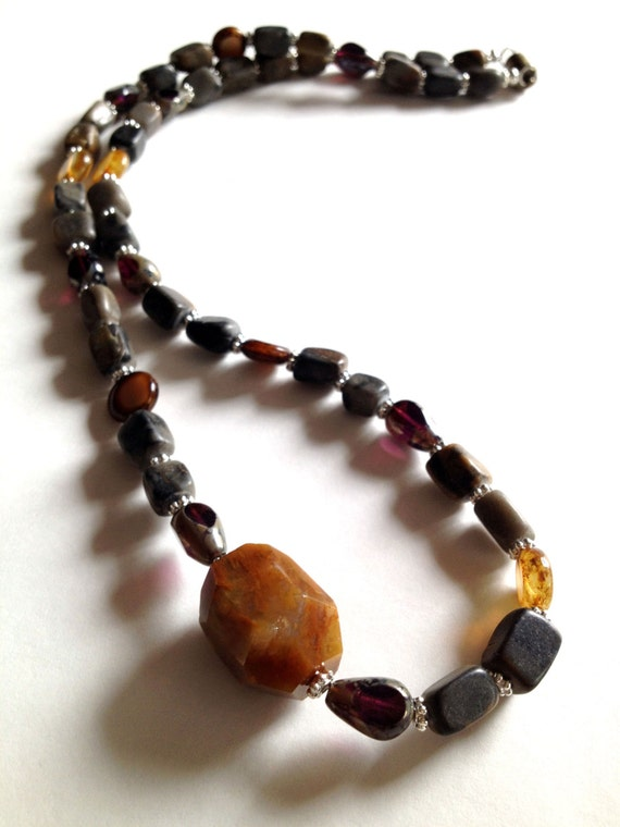 Handmade Beaded Necklace, Natural Agate Stone, Bronze Jewelry for Her, Gemstone Necklace for Women, Stone Jewelry with Magnetic Clasp
