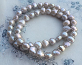Grey Freshwater Baroque Pearl stretch bracelet with Sterling Silver accent bead