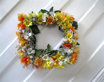 LLEWELLYN WREATH   Dried and silk flowers   for Spring and year round  Square or Diamond