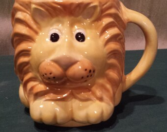 Adorable Animal cup, Lion mug, Lion cup, coffee cup, finished with food safe glaze, finished ceramic