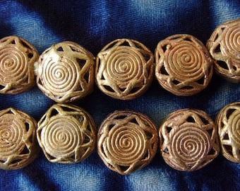 8 beads African brass BB19