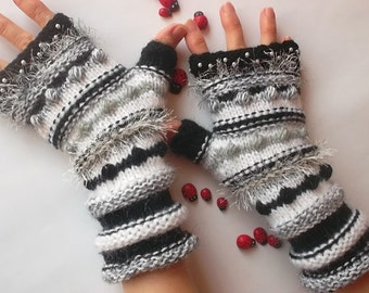 Women Size M 20% OFF Ready To Ship Hand Knitted Bohemian Gloves Fingerless Mittens Cabled Striped Warm Accessories Wrist Warmers Winter 1117