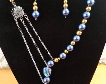 Necklace, braceletes, chokers earrings created with love just for you.