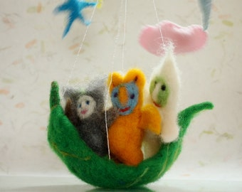 Waldorf Mobile with 3 Guardian Elves on Green Leaf, needle felted nursery decor, cot crib mobile, children rooms gift, felted play, kodama