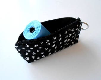 Dog Bag Holder Zipper Pouch with Key Ring ECO Friendly Padded  NEW Paws