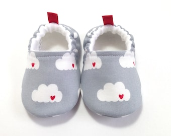 Gray Baby Shoes, heart Baby Slippers, Soft Sole Baby Shoes, Baby Booties, Toddler slippers, Grey Baby Shoes, sailor baby, Cloud baby shoes,