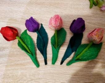 Flower brooch, Tulip brooch, Felted brooch