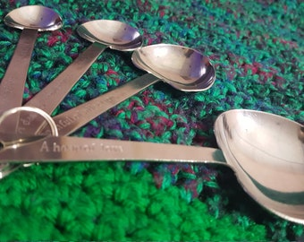 Heart shaped measuring spoons Vintage measuring spoons Mother's day gift baker gift