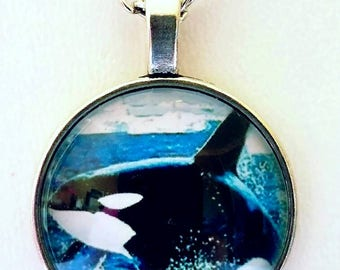 Orca Whale Necklace Art Glass Pendant Charm Necklace Colorful Marine Life Unique Orca Gift Whale Jewelry Beach Necklace Sea Animals Ocean