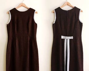 Vintage Nubby Mod Bow Sleeveless Sheath Dress / Brown Jumper Dress - 1960s