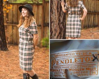 Vintage 60s Pendleton plaid dress /Holiday dress // Winter wool dress / Wool country dress / size M L