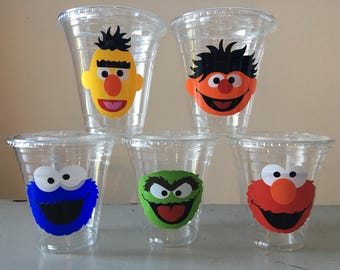 25 Plastic Sesame Street Party Cups-12 oz