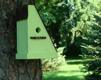 Rustic Birdhouse, Recycled Birdhouse, Bike Chain Birdhouse, Cottage Bird House, Outdoor Birdhouse, Green