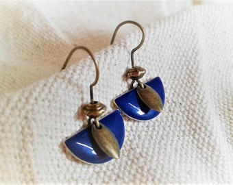 Small modern earrings dark blue