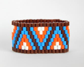 Pretty Fitty - comfortable & waterproof beaded bracelet for trendy sporty look  - brown triangles classic M