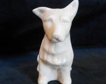 Belleek Scottie Scottish West Highland Westie Terrier Dog Figurine 6th Green Mark