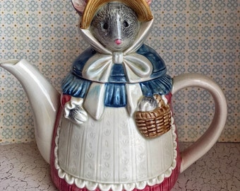 Vintage 1980s  Otagiri Japanese Hand-Painted Mouse Lady Teapot - Rose pink, Blue, Bonnet