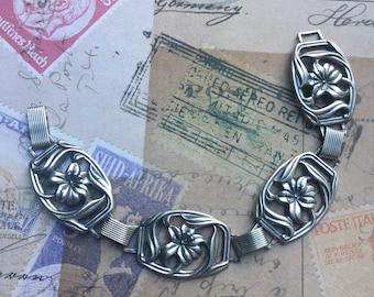 Vintage Sterling Silver Lily Bracelet   Felch Co Early Danecraft Hallmark   Lilies Link Bracelet   1940s Primavera Design