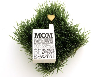 Gift for mom, miniature house, mom sign, miniature house with heart, gifts under 15, I love you Mom