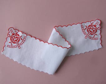 Fabric insert, 38 cm, white cotton embroidered red stitching.