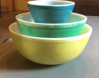Vintage Pyrex Primary Colors Mixing Bowl Set Of 3 : Yellow, Green, Blue 401, 403, 404