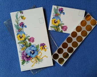 Vintage Trifold Postcards in Pansy Bouquet Design, 14 unused self-mailing cards with gold seals, new in package NIP